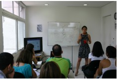 Palestras de oportunidade de estudos, bolsas e estágio na França com Alexandrine Brami