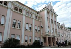 Prédio H - tombado pelo Instituto do Patrimônio Histórico e Artístico do Estado – IPHAE.